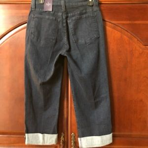 NYDJ Jeans - NWT NYDJ Cropped Jeans. Size 6.